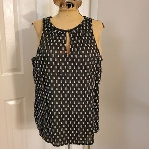 Old Navy sleeveless size L EUC top
